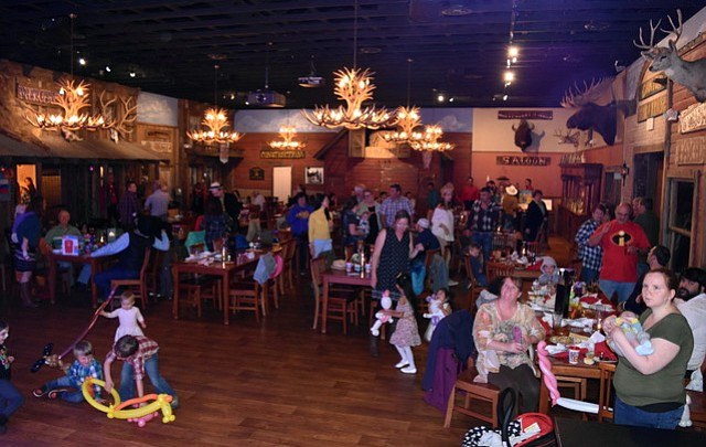 Photo highlights: Kaibab Learning Center holds annual Western Night
