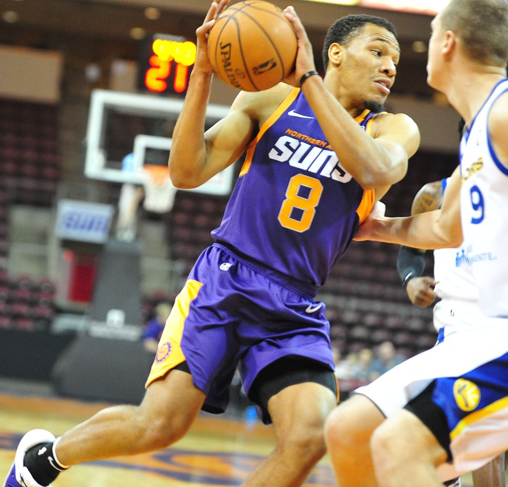 Northern Arizona's George King drives the baseline as the Suns play the Santa Cruz Warriors  Tuesday, Nov. 13, 2018 at the Prescott Valley Event Center.  (Les Stukenberg/Courier).