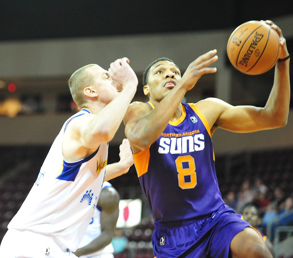 Northern Arizona's George King drives to the basket as the Suns play the Santa Cruz Warriors  Tuesday, Nov. 13, 2018 at the Prescott Valley Event Center.  (Les Stukenberg/Courier).