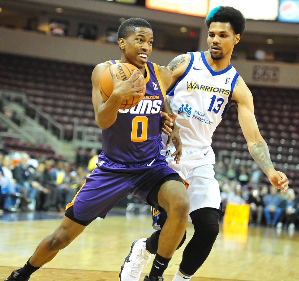 Northern Arizona's Daniel Dixon drives the baseline as the Suns play the Santa Cruz Warriors  Tuesday, Nov. 13, 2018 at the Prescott Valley Event Center.  (Les Stukenberg/Courier).