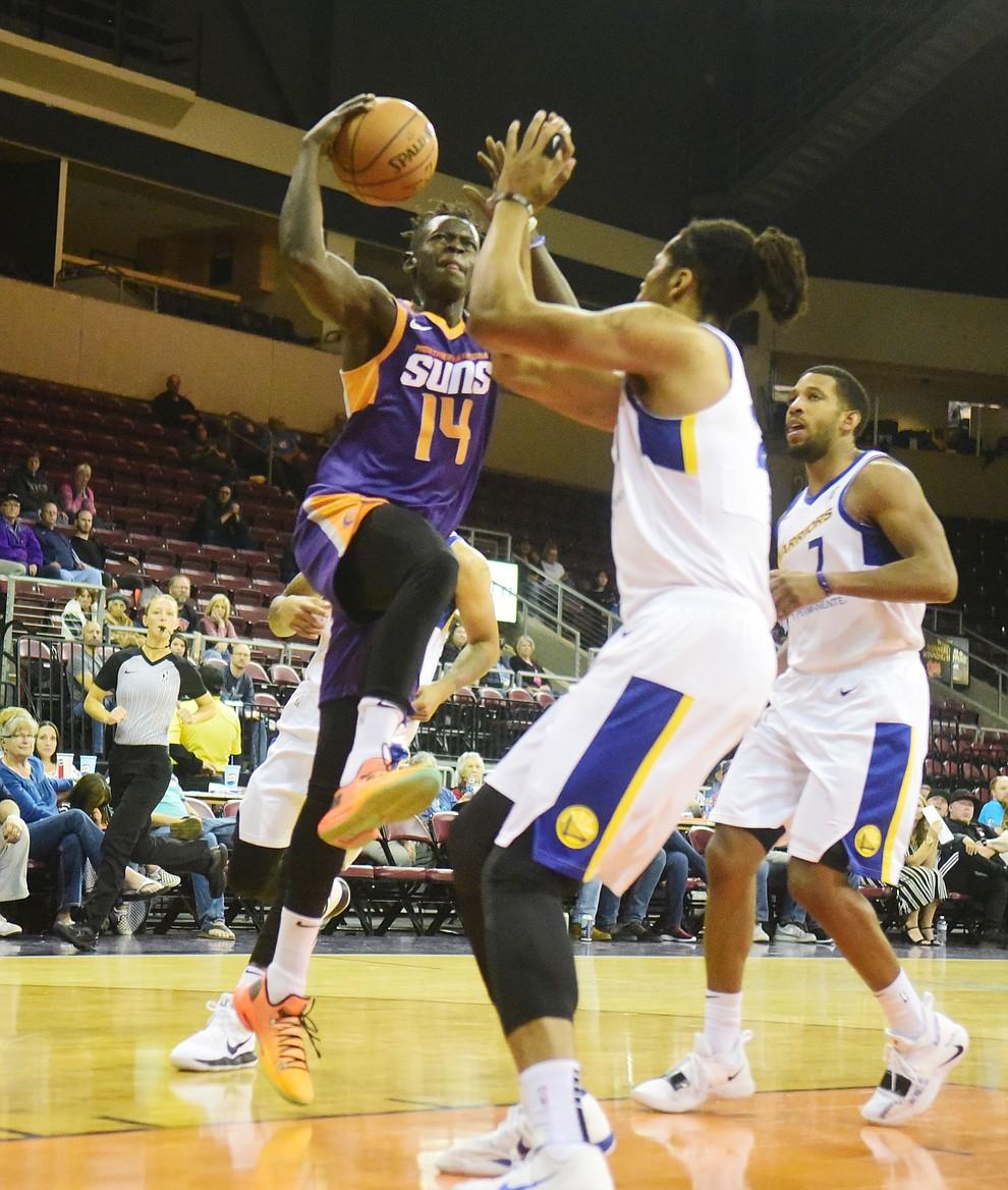 Northern Arizona's Peter Jok drives to the basket as the Suns play the Santa Cruz Warriors  Tuesday, Nov. 13, 2018 at the Prescott Valley Event Center.  (Les Stukenberg/Courier).