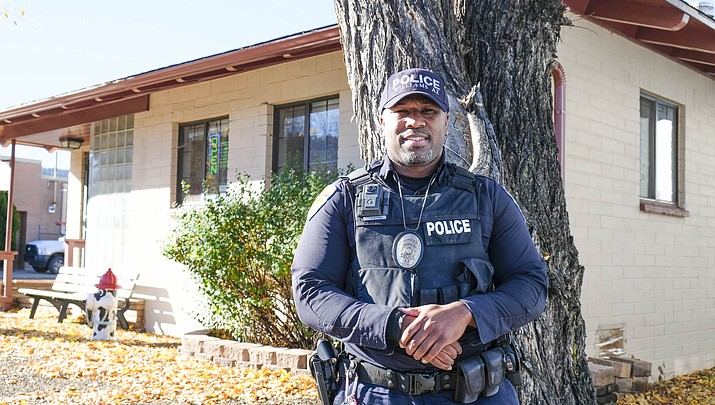Robert Anderson named Officer of the Year for actions during 2017 shooting