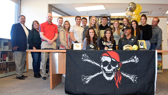 Mingus Union's Maddie Bejarano signs with UCF softball