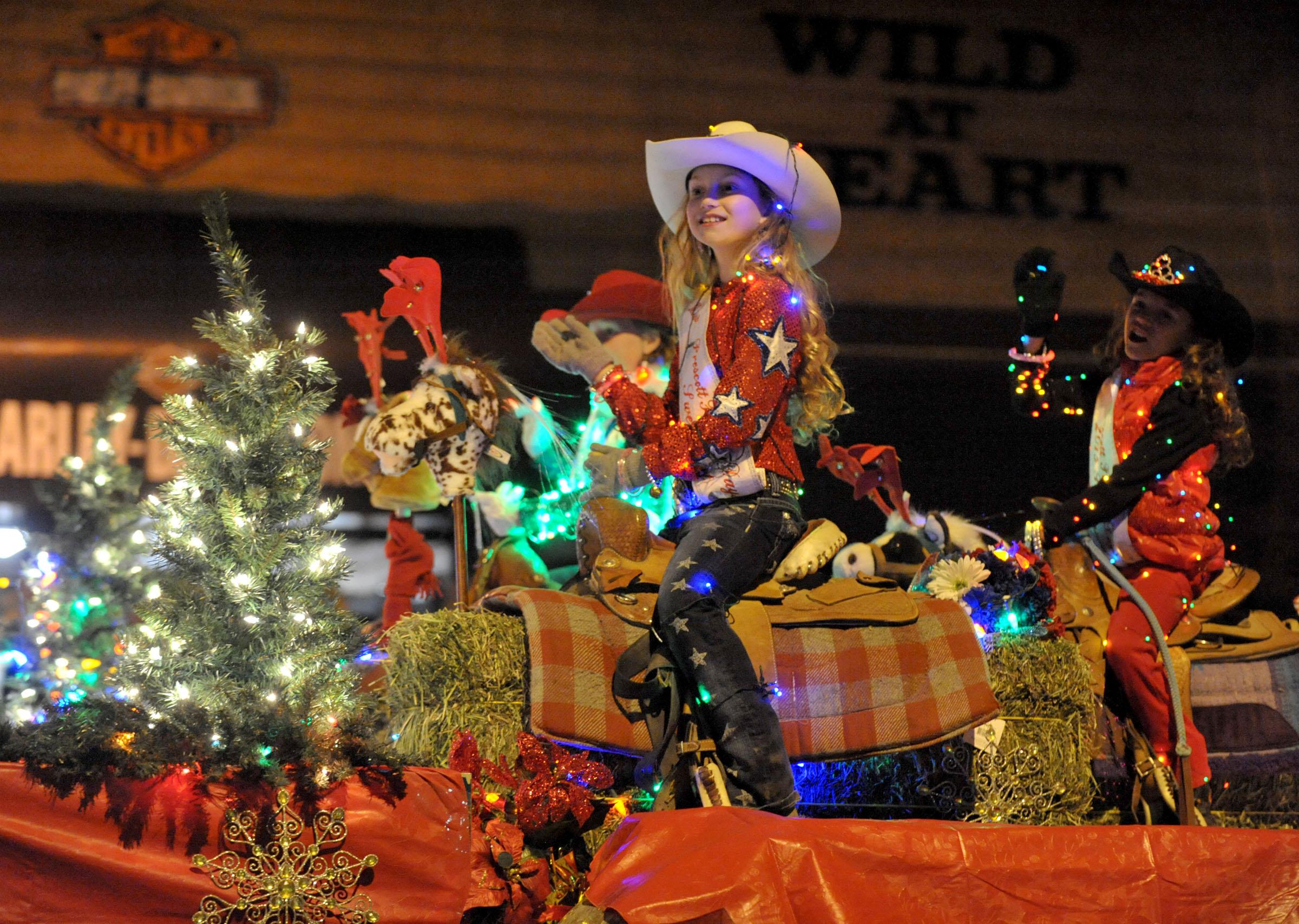 Light parade kicks off holiday season | The Daily Courier | Prescott, AZ