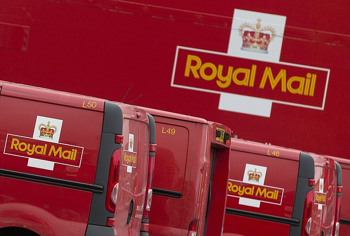 7 Year Old Boy Asks Postman To Bring Birthday Card Father In Heaven This File Photo Dated Thursday Sept 12 2013 Royal Mail Vans