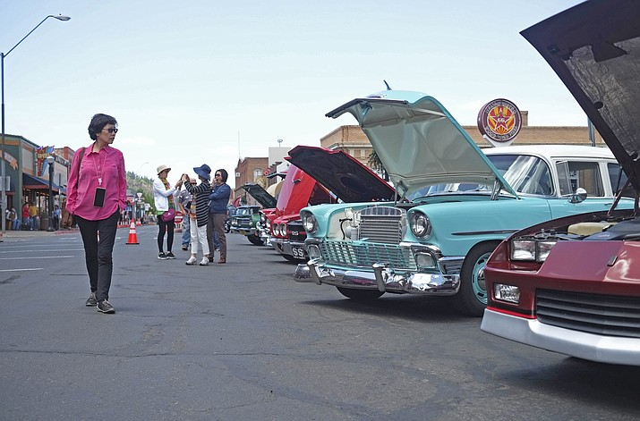 A new proposal moving through Congress seeks to designate Route 66, the highway that connected Chicago to Los Angeles, as a National Historic Trail.