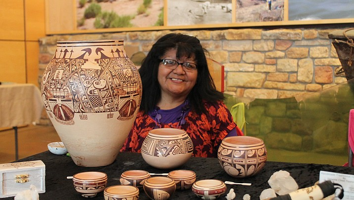 Hopi potter, Delaine Tootsie-Chee, carries on family tradition