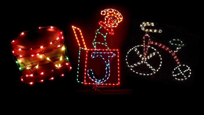 Grinch Christmas Lights.Grinch Steals Christmas Decorations For Someone Else S Yard
