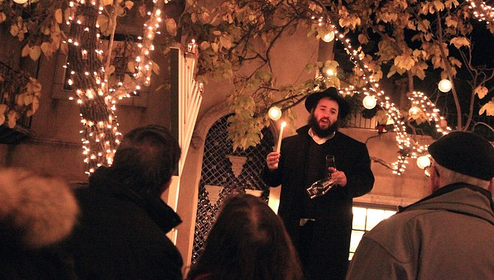 Chabad hosts menorah lighting, festival of lights at Tlaquepaque
