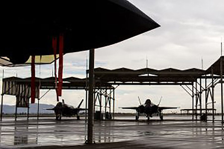 F-35 jets sit on Luke Air Force Base in Glendale. (Nicole Neri/Cronkite News)