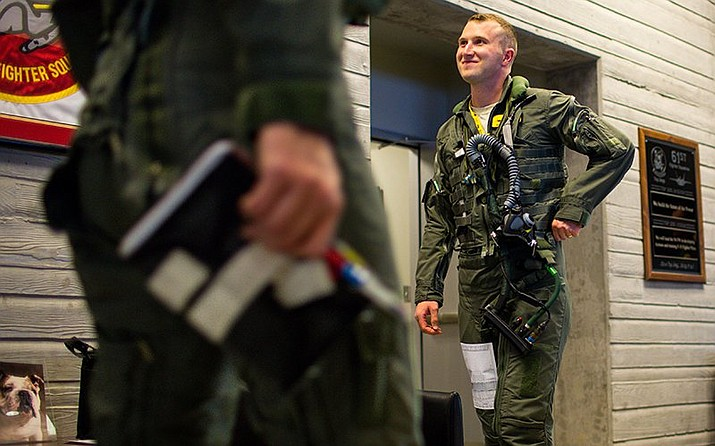 Dylan Meador flies the F-35 fighter jet at Luke Air Force Base. As of September, the Air Force had 1,500 unfilled pilot positions. (Photos by Nicole Neri/Cronkite News)
