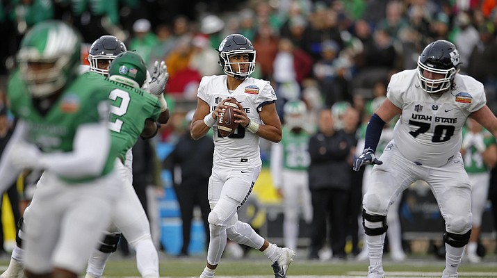 College Bowls in Brief: Utah State thrashes North Texas in New Mexico Bowl