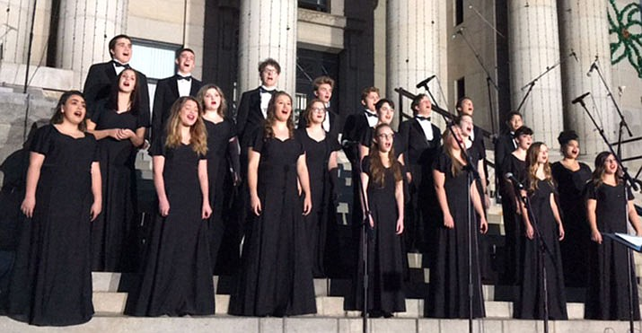The Prescott High School choir sings on the courthouse steps Dec. 2, 2017. (PUSD/Courtesy)