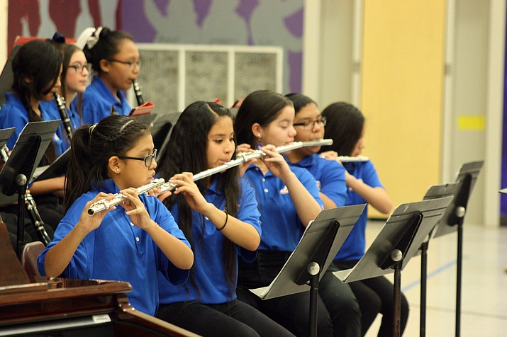 Middle school band students perform at the Winter Band Concert Dec. 12. (Erin Ford/WGCN)