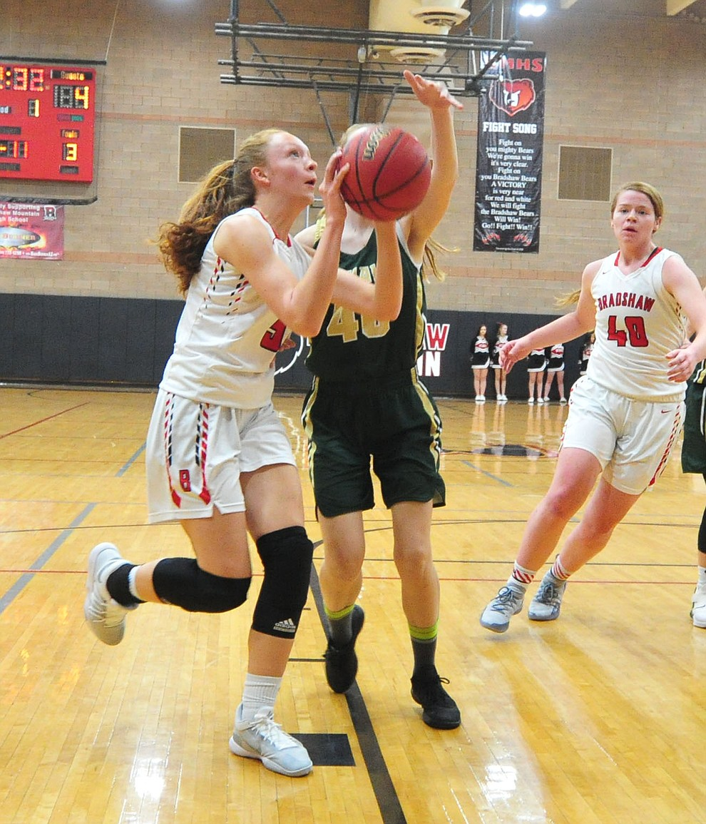 Bradshaw Mountain's Sierra Woolley drives to the basket as the Bears host the Mohave Thunderbirds in a basketball matchup Friday night in Prescott Valley. (Les Stukenberg/Courier).