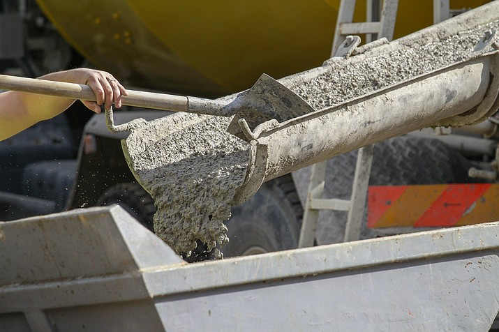 Cement truck. (Courier stock photo)