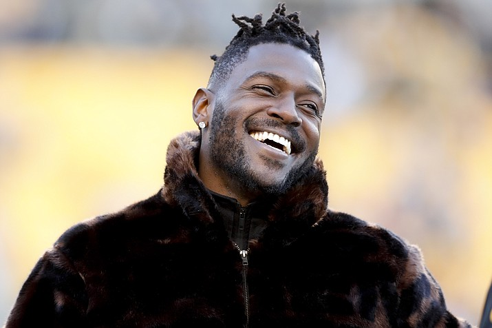 Pittsburgh Steelers wide receiver Antonio Brown stands along the sideline in street clothes before an NFL football game against the Cincinnati Bengals, Sunday, Dec. 30, 2018, in Pittsburgh. (Don Wright/AP)