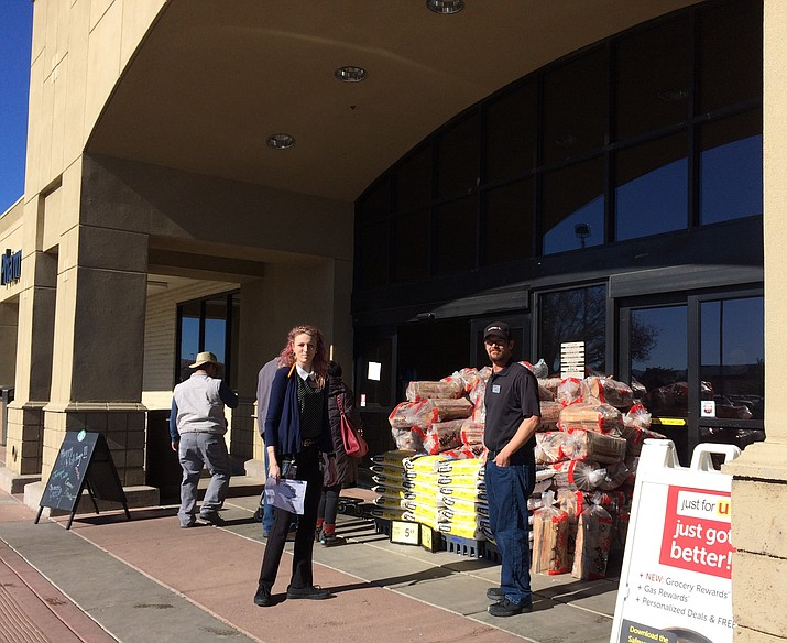 The Prescott Valley Safeway store is open now, but Friday morning, Jan. 4, 2019, it was able to sell only dry goods after power went out earlier in the day. The Starbucks counter inside also was closed until early afternoon. (Sue Tone/Courier)