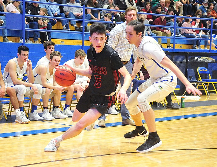 Bradshaw Mountain's Tripp Nestor (5) drives to the baseline as the Bears traveled to play the Badgers Tuesday, Jan. 8, 2019, in Prescott. (Les Stukenberg/Courier)