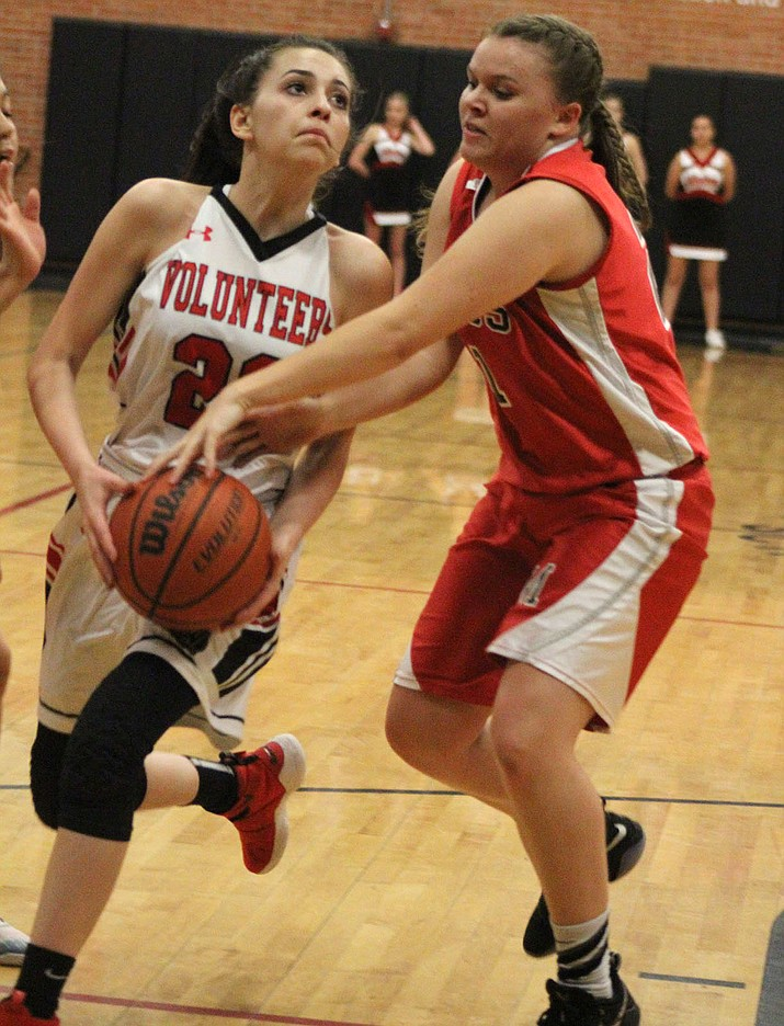 Hayle Davis led the Lady Vols with nine points Friday in a 35-34 victory over Mingus. (Photo by Beau Bearden/Daily Miner)
