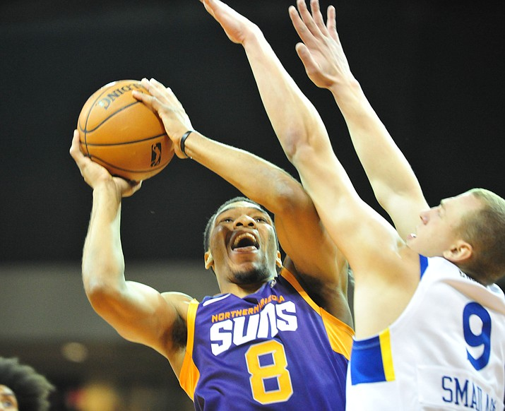 Northern Arizona Suns forward George King (8) goes up for a shot as the Suns play the Santa Cruz Warriors  Tuesday, Nov. 13, 2018, at the Prescott Valley Event Center. King scored 20 points Saturday night, Jan. 12, 2019, against the Maine Red Claws. The NAZ Suns return to the now-named Findlay Toyota Center in Prescott Valley in Saturday, Jan. 19. (Les Stukenberg/Courier, file)