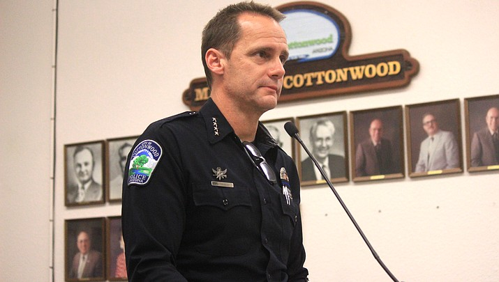 Cottonwood moves to follow county lead on cellphone distracted driving ordinance