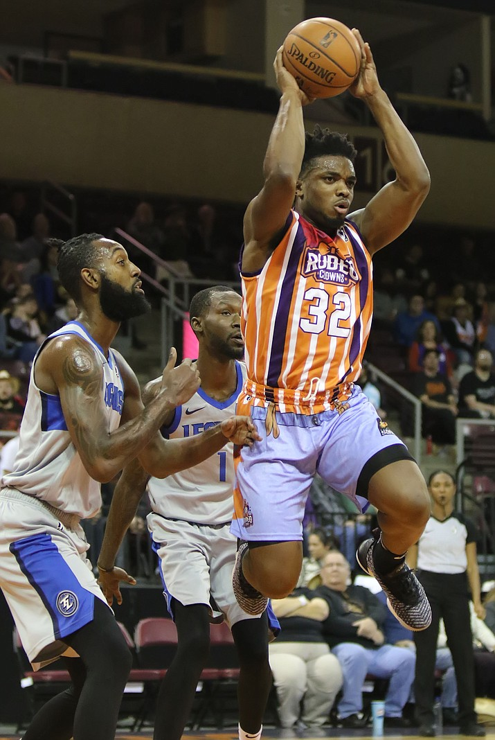 Northern Arizona Suns guard Retin Obasohan moves the ball against the Texas Legends at NAZ Western Night on Saturday, Jan. 19, 2019, in Prescott Valley, Ariz. (Matt Hinshaw/NAZ Suns)