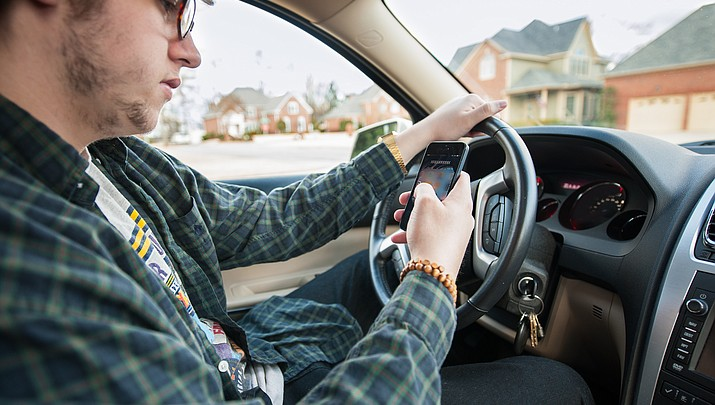Arizona legislators could vote on bill banning texting while driving