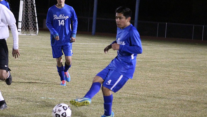 Prep Roundup: Bulldogs take down Parker on the road