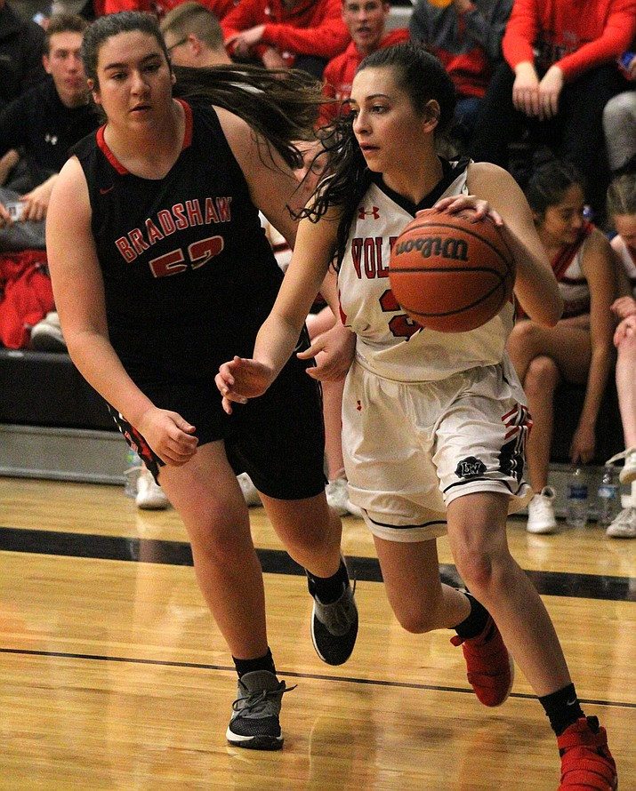 Hayle Davis tallied 11 points Tuesday as Lee Williams defeated Bradshaw Mountain 41-28. (Photo by Beau Bearden/Daily Miner)