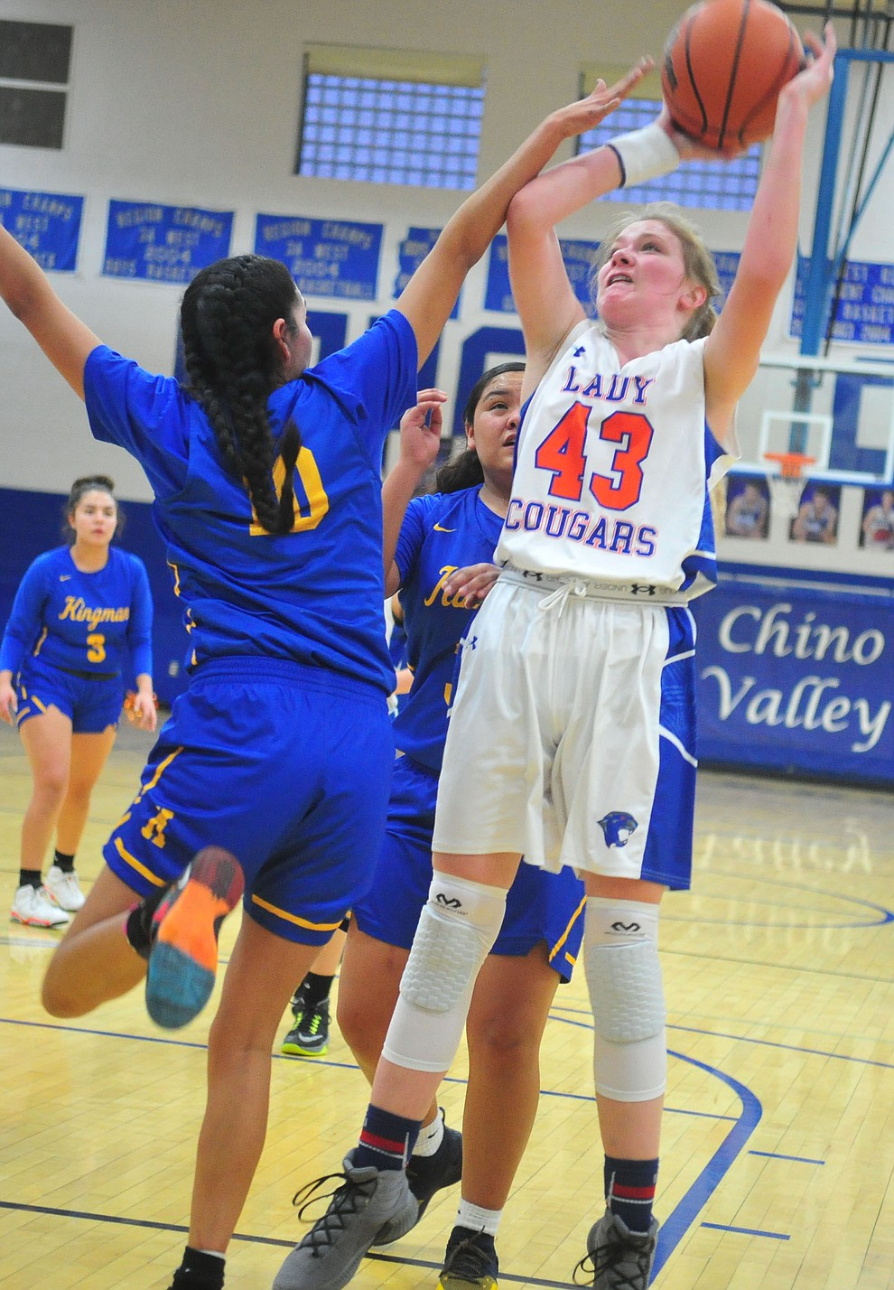 Chino Valley's Shayne Andrews takes a shot as they face the Kingman Bulldogs Thursday, Jan. 24, 2019 in Chino Valley. (Les Stukenberg/Courier).