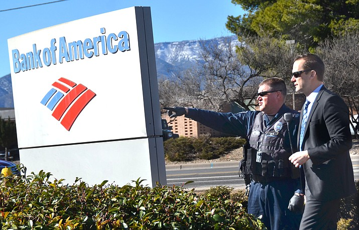 Cottonwood Police Chief Steve Gesell was in his first week on the job when the Cottonwood branch of the Bank of America was burglarized. About $350,000 was stolen in the heist. VVN/Vyto Starinskas