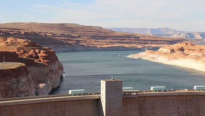 Arizona is nearing a deadline to approve a plan to ensure a key reservoir in the West doesn't become unusable as a water source for farmers, cities, tribes and developers. Other Western states are watching. The U.S. Bureau of Reclamation expects full agreement on a drought contingency plan by Thursday, Jan. 31, 2019. (Photo by Luke Runyon/KUNC)