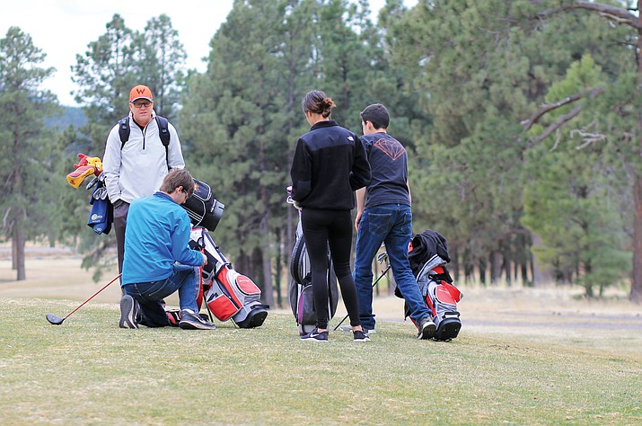 Scott Little coaches the Williams High School golf team in 2018. Little has been retained as the golf-pro at Elephant Rocks Golf Course. (Wendy Howell/WGCN)