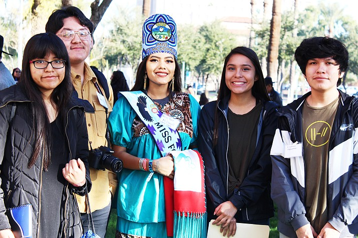 Hopi High media students meet with Miss Fort McDowell Lanny Schurz. From left: Cierra Brady, Gabe Fredericks, Ellyse Fredericks and Kiiyanho Edgewater. (Stan Bindell/NHO)