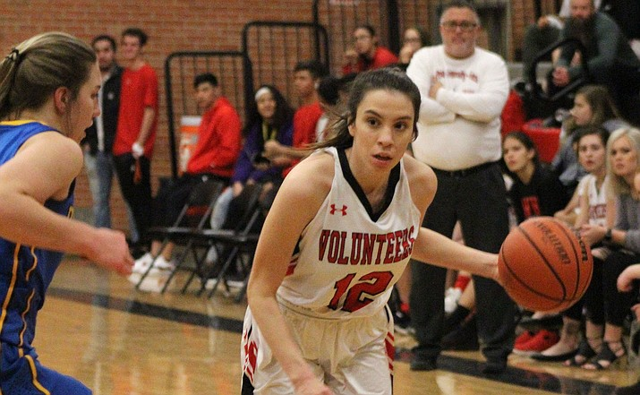 Kaylee Bond finished with eight points Tuesday as the Lady Vols knocked off Prescott 33-28. (Daily Miner file photo)