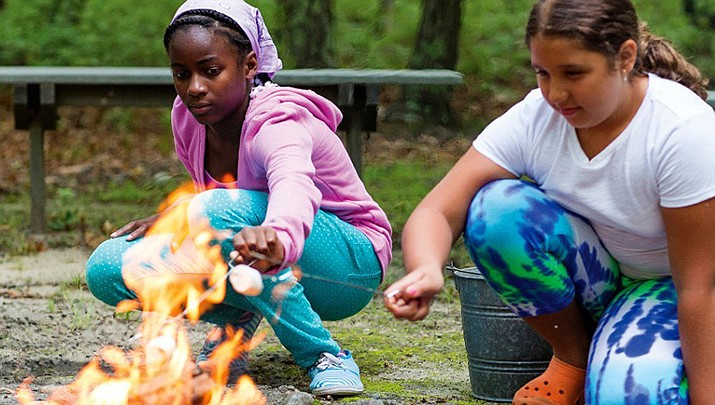 It's time to start making summer plans. Registration for the Girl Scouts–Arizona Cactus Pine-Council (GSACPC) 2019 summer camps is now open.
