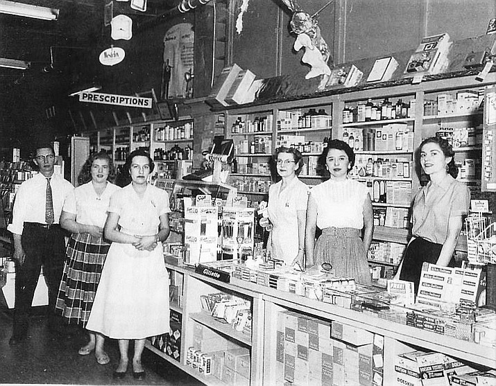 Smiths Corner Drug in Williams, circa 1950s. The Gallery in Williams now occupies that building. (Photo/Williams Library Historical Photo Archive)
