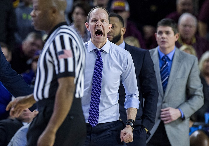 Washington coach Mike Hopkins shouts to his team during the second half of an NCAA college basketball game against Arizona State on Saturday, Feb. 9, 2019, in Tempe. Arizona State won 75-63. (Darryl Webb/AP)