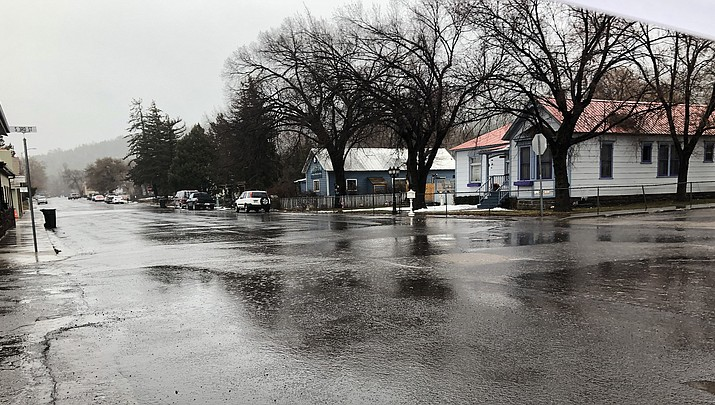 Rain continues across northern Arizona, snow possible by Friday