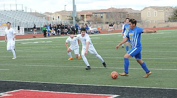 Prescott's boys soccer team edges Catalina Foothills, advances to state title match for 1st time photo