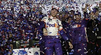 Denny Hamlin cruises to 2nd Daytona 500 victory in 4 years photo