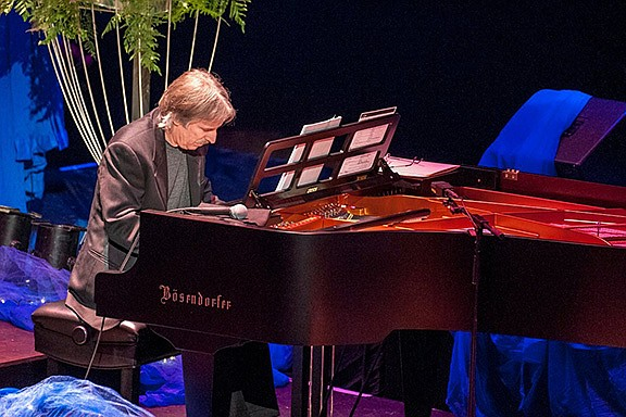 Canyon Community Church, KCA hosts John Nilsen for piano concert