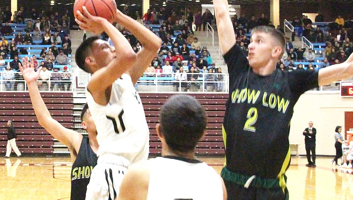 Wildcats dominate playoff game over Show Low Cougars