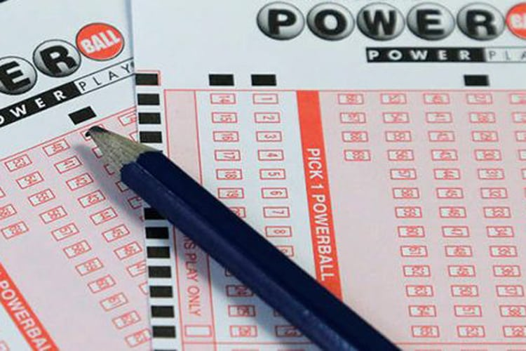 Friday Catchall: Anonymous lotto winners, fighting over water