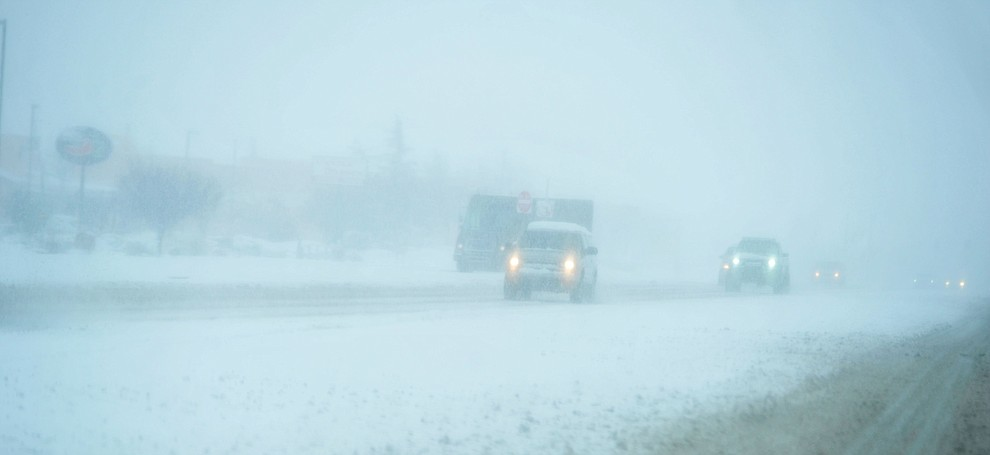 At times it was a near white-out on Highway 69 as the predicted snowfall Thursday, Feb. 21, 2019 hit the Prescott Valley area. (Les Stukenberg/Courier).