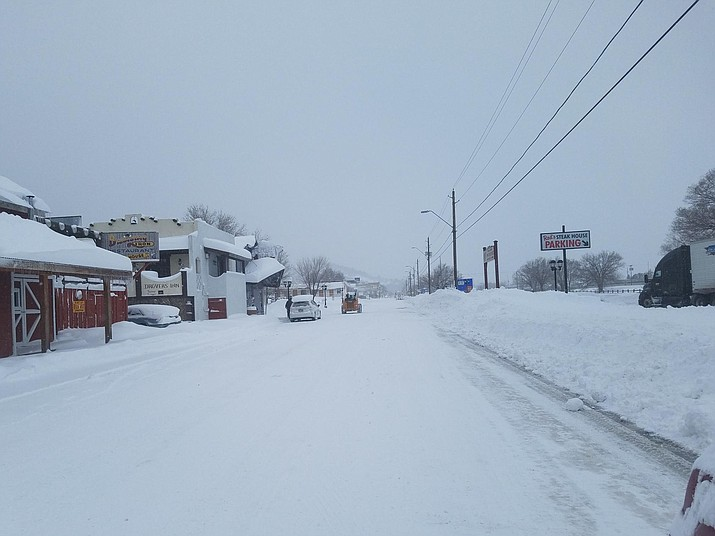 Snow continues to fall in Williams and most of northern Arizona. (Connie Hiemenz/WGCN)