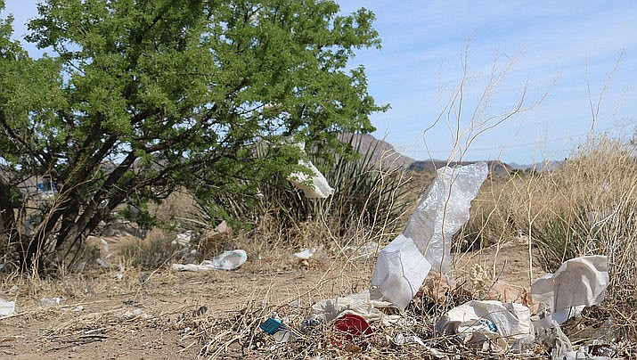 The Community View writer believes if everyone pitches in picking up trash, Kingman would look pristine. (Daily Miner file photo)
