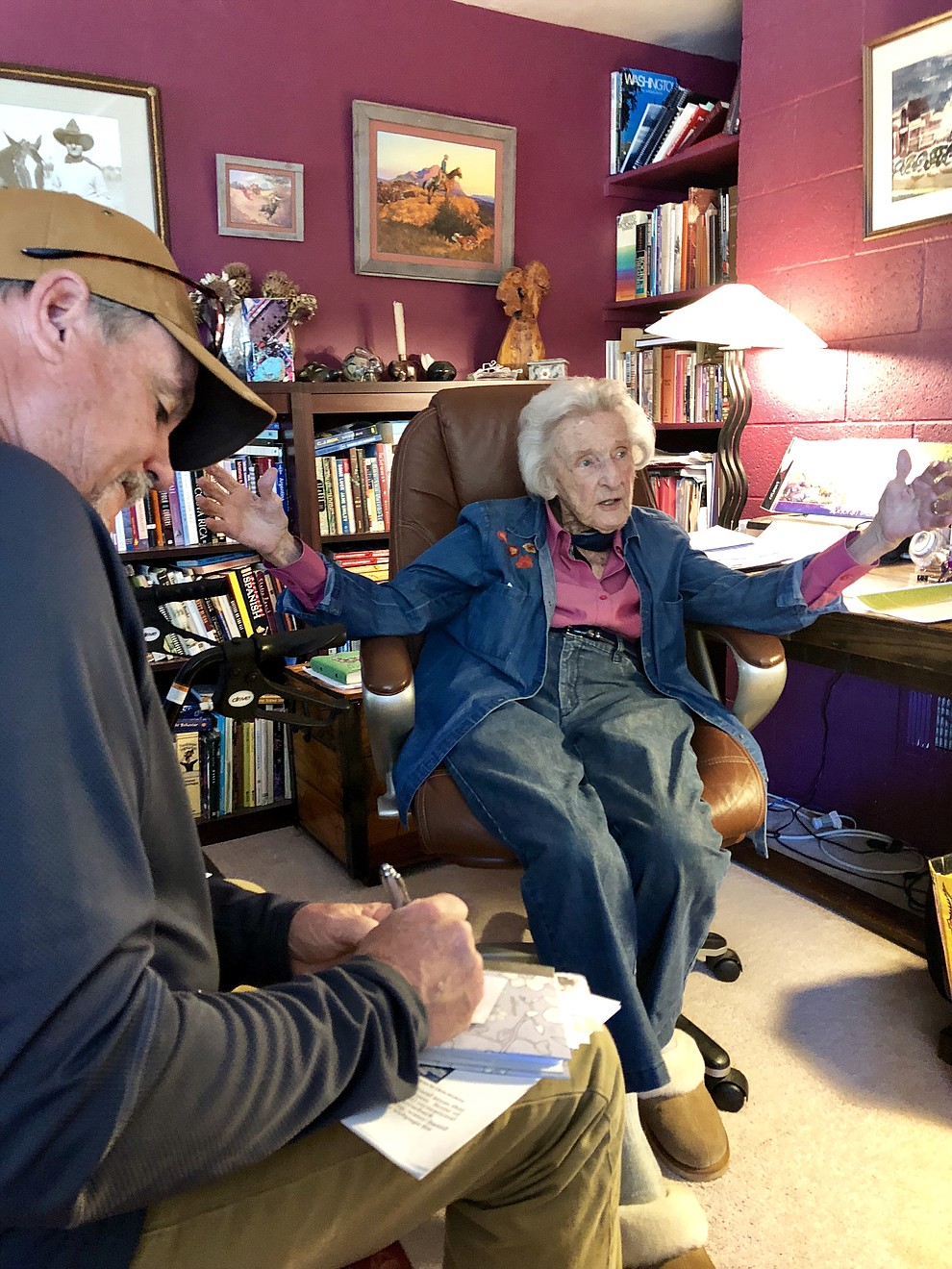 Longtime Open Space Alliance President Elisabeth Ruffner, then 98, talked with City of Prescott Recreation Services Director Joe Baynes on May 16, 2018, about the dissolution of the Open Space Alliance. (Cindy Barks/Courier)