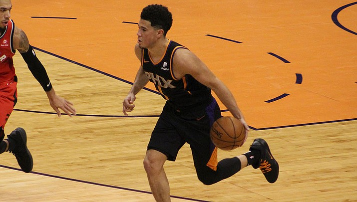 Devin Booker put on a show Monday night, but the Suns couldn't pick up the win in a 125-92 loss to the Utah Jazz. (Daily Miner file photo)